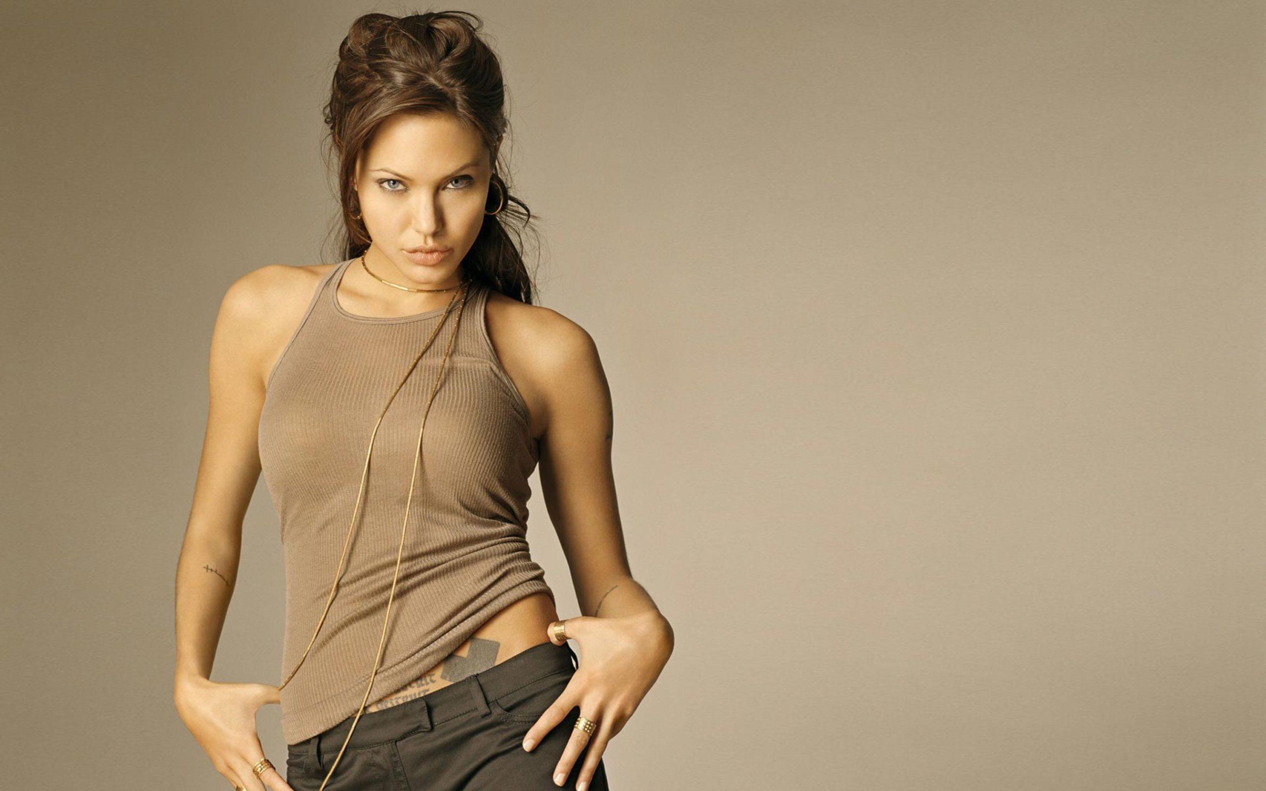 Анджелина Джоли горячие фото
