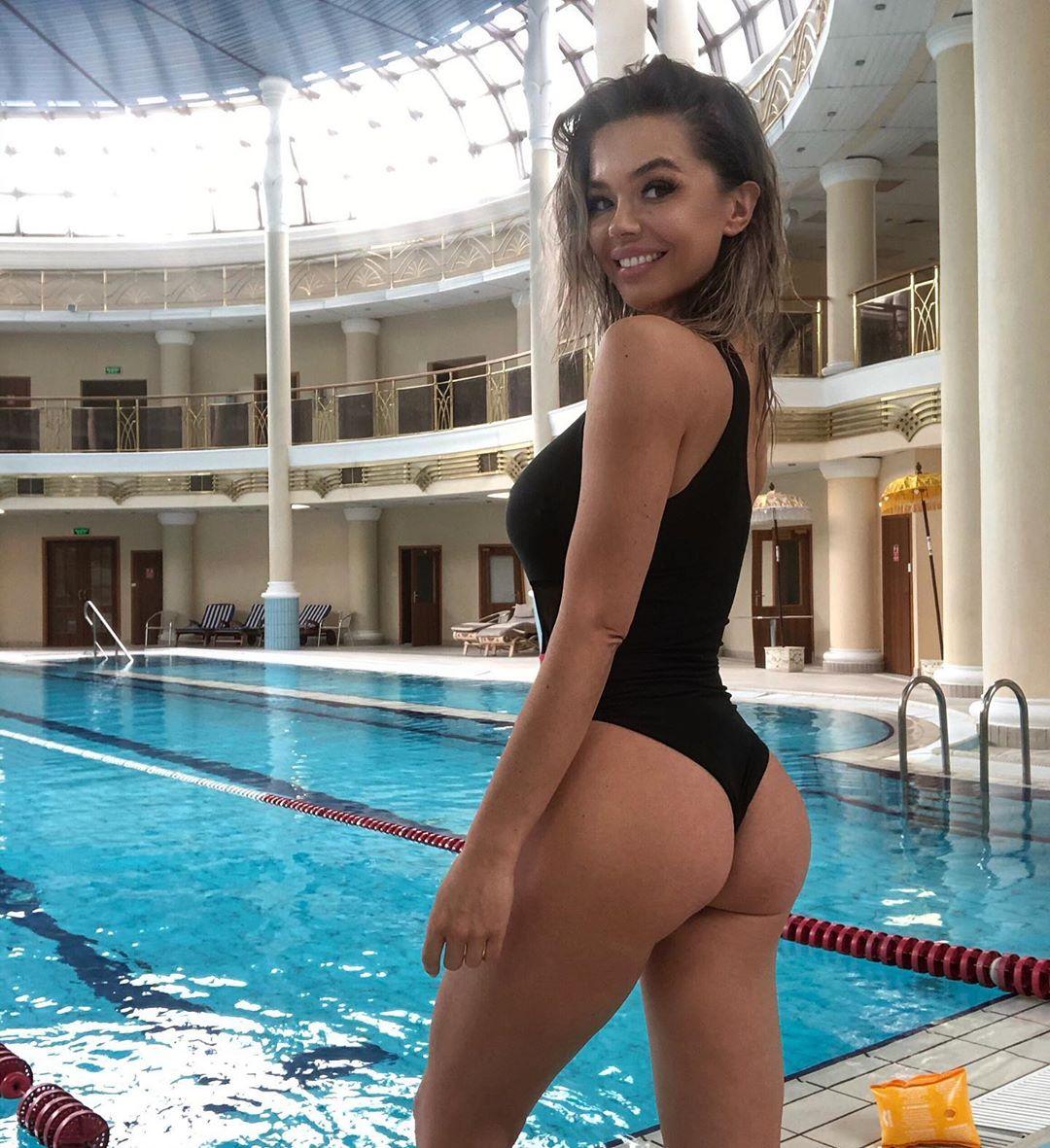 Карина Зверева горячие фото