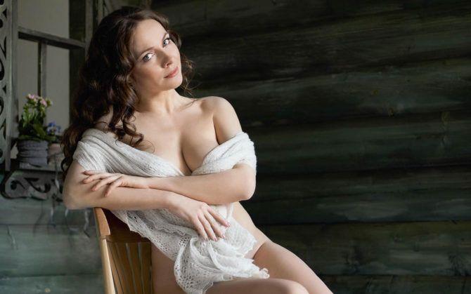 "Екатерина Гусева фото в журнале ""MAXIM"""