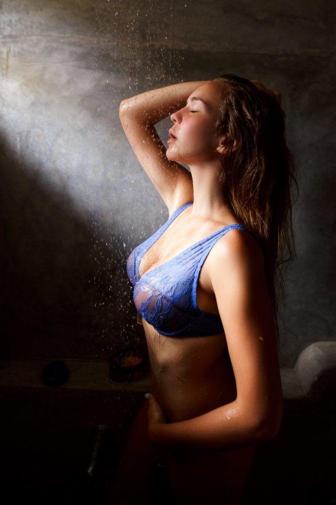 Маша Маева в нижнем белье и купальниках
