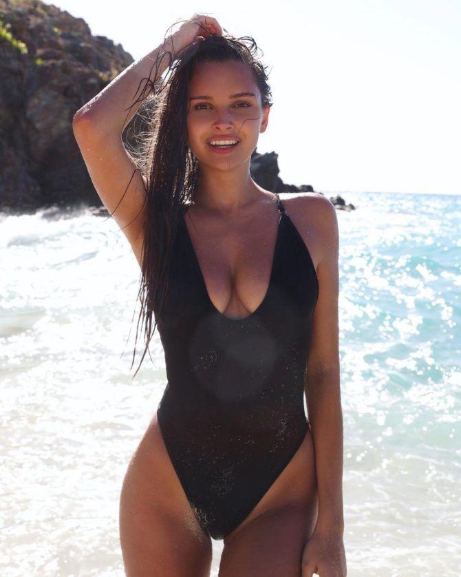 Каролина Севастьянова фото плейбой