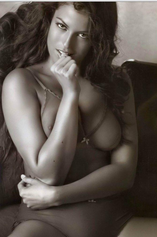 Сара Томмази горячие фото
